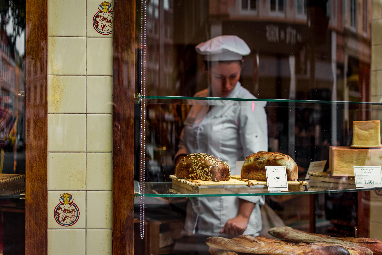 adult-baker-breads-564883