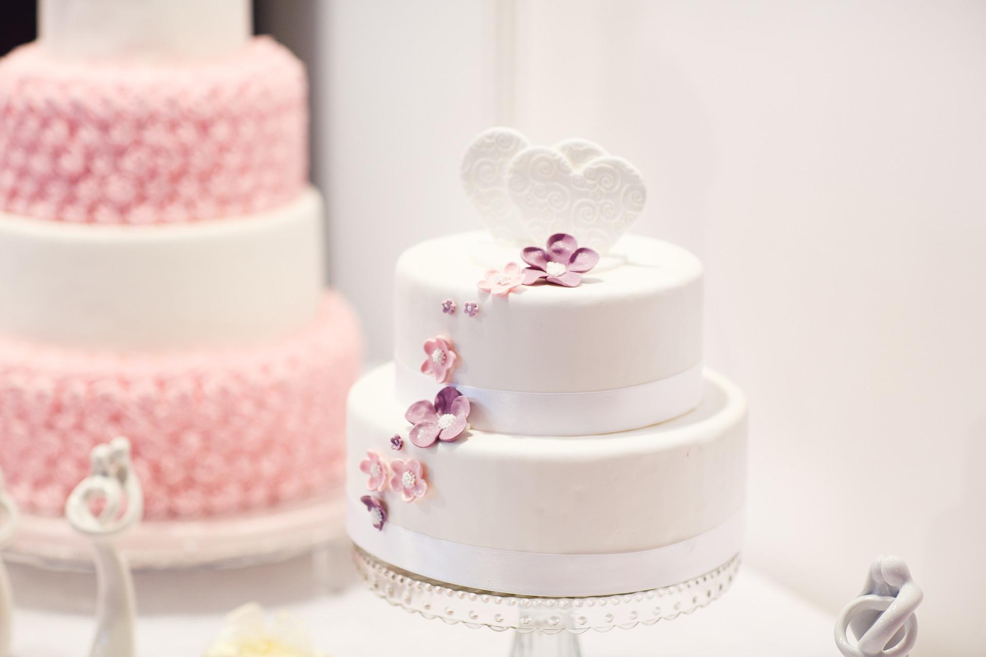 wedding-cake-1704427_1920